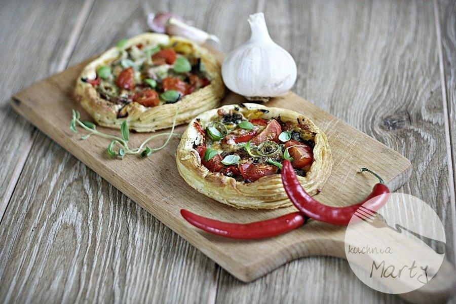 Mini pizza na francuskim cieście