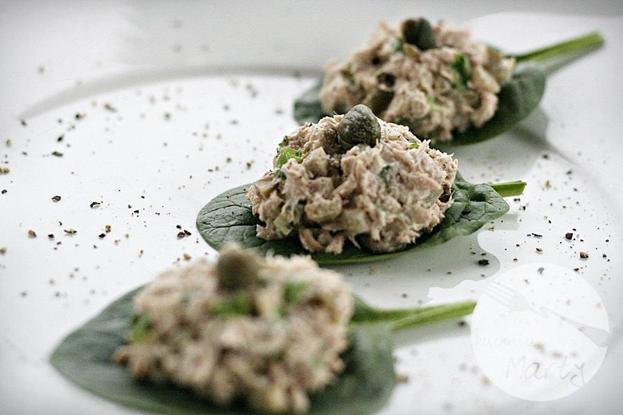 Pasta z tuńczyka na szpinaku