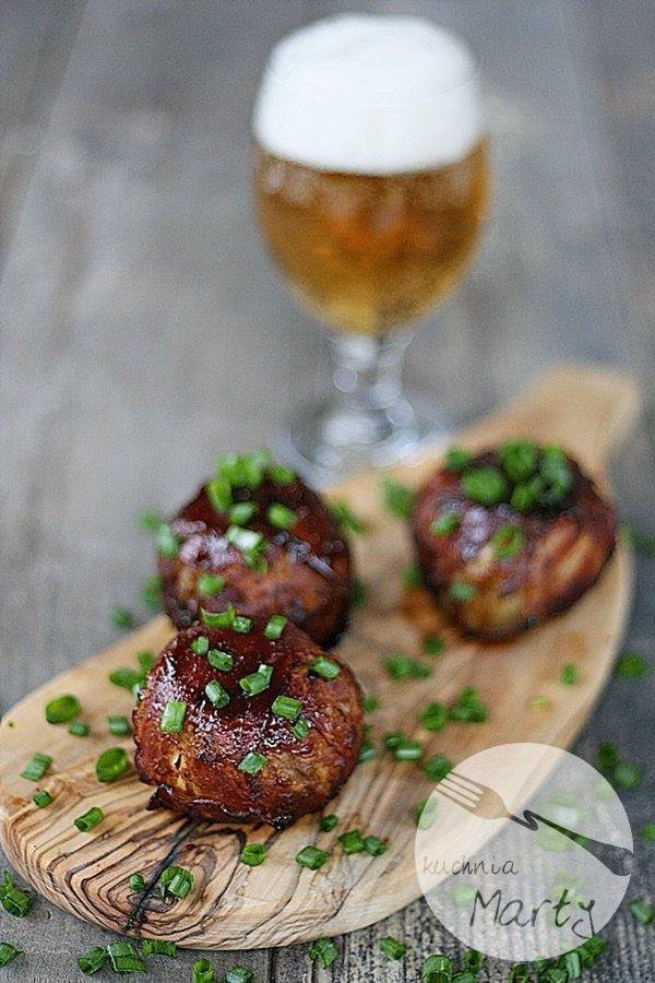Cebulowe kulki nadziewane mięsem mielonym
