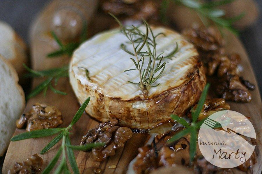 9174.900 - Pieczony camembert z rozmarynem i miodem