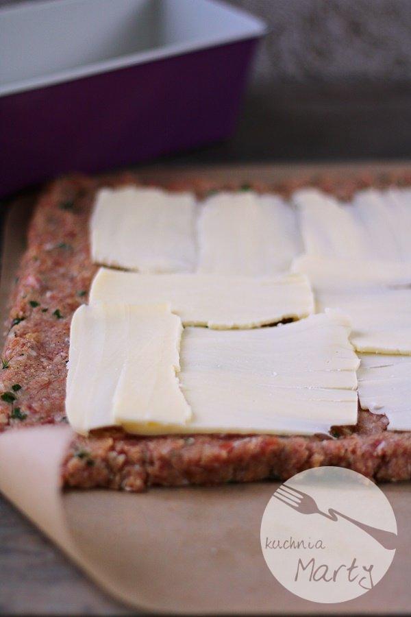 Pieczeń z mozzarellą i szynką parmeńską