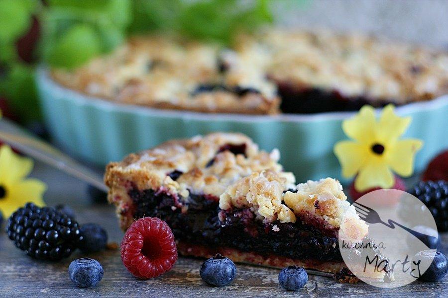 Tarta z sezonowymi owocami