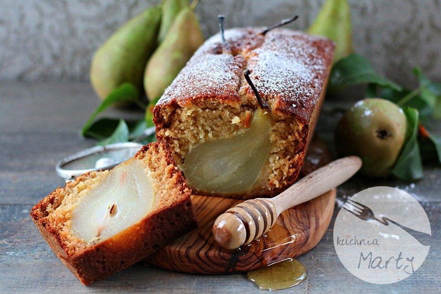 1392.900 - Imbirowe ciasto z pijanymi gruszkami