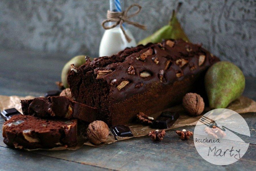1423.900 - Ciasto czekoladowe z gruszkami i orzechami