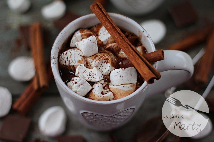 5623.900 - Gorąca czekolada z cynamonem i piankami
