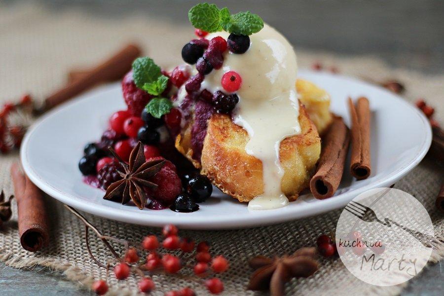 6268.900 - Tosty francuskie z sosem z owoców leśnych i lodami jogurtowymi