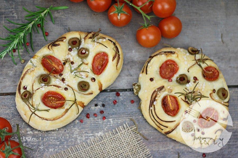 8470.900 - Focaccia z pomidorami, oliwkami i rozmarynem