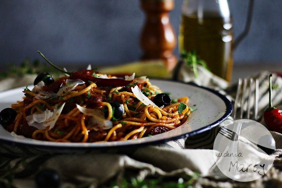 2207 - Spaghetti z chorizo i oliwkami