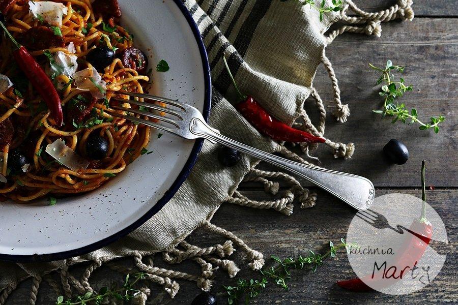 2269 - Spaghetti z chorizo i oliwkami