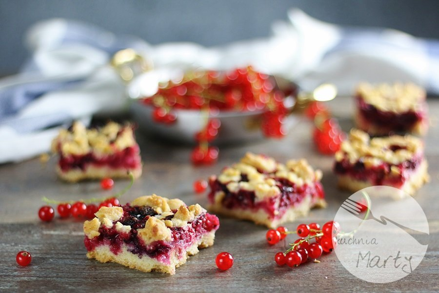 7363 - Kruche ciasto z czerwonymi porzeczkami i borówkami