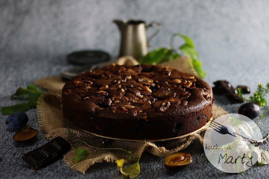 2037 - Ciasto czekoladowe ze śliwkami i orzechami