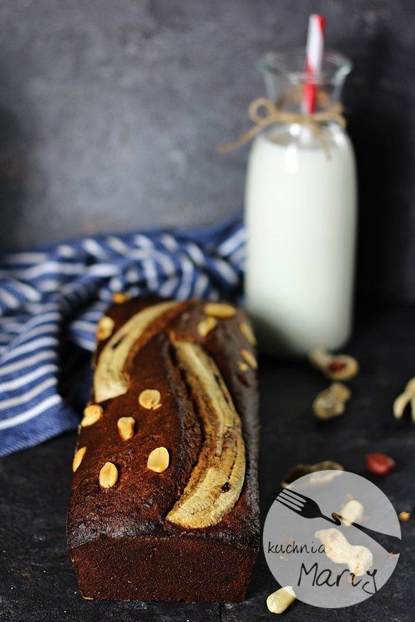 7088 - Chlebek bananowy z masłem orzechowym
