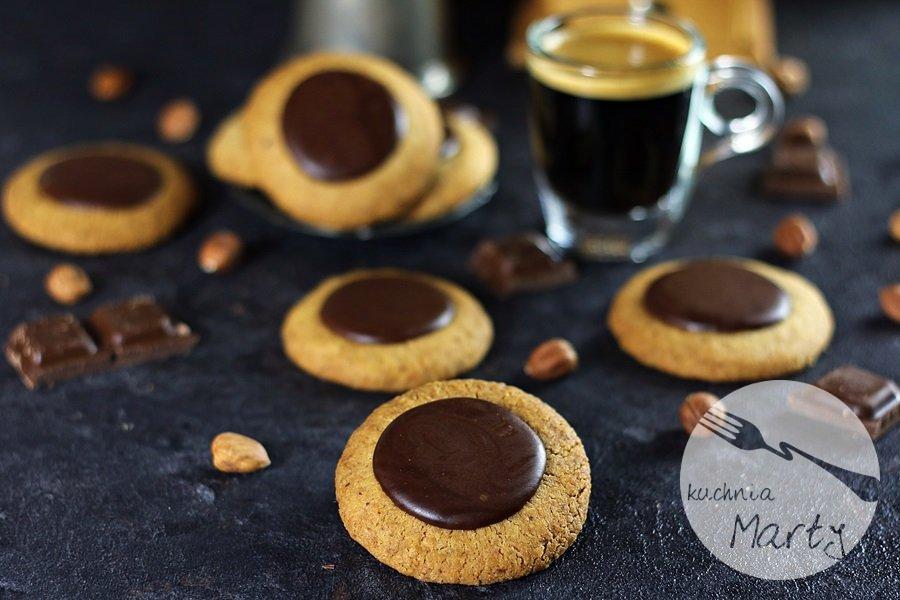 7254 - Ciasteczka orzechowo kawowe z czekoladą
