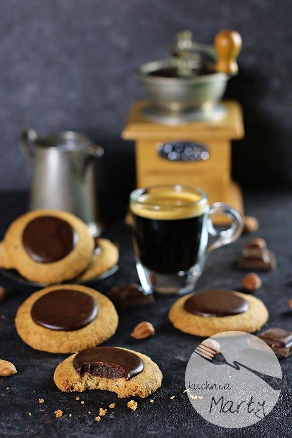 7269 - Ciasteczka orzechowo kawowe z czekoladą