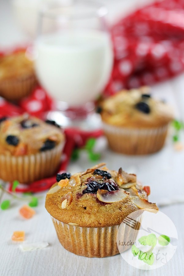 7457 - Orkiszowe muffinki z wiśniami