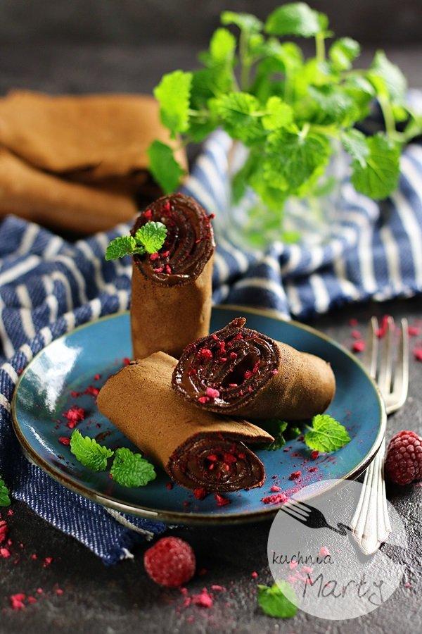 7649 - Naleśniki czekoladowe z kremem kawowym