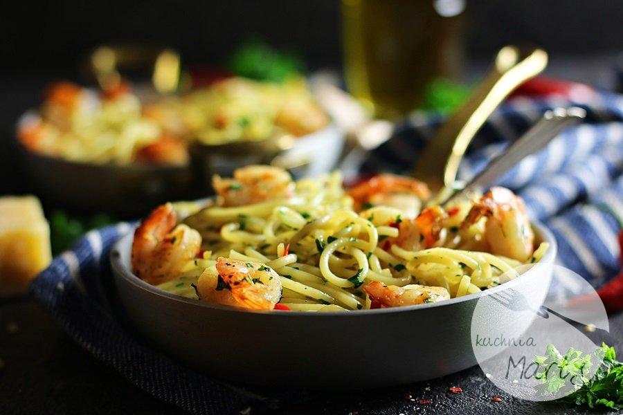 7962 - Spaghetti aglio olio z krewetkami