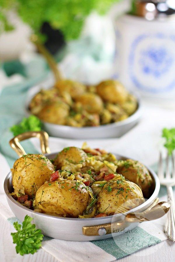 Młoda kapusta z ziemniakami i boczkiem