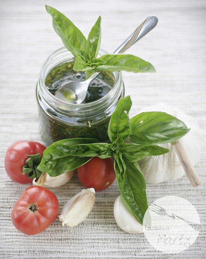 pessto1 - Pesto z bazylii z orzeszkami pinii