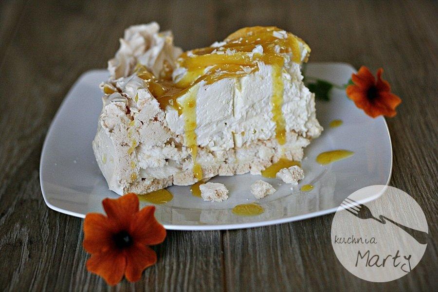 Tort Pavlova z mango