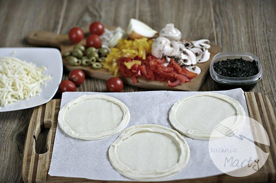 2650.900 - Mini pizza na francuskim cieście