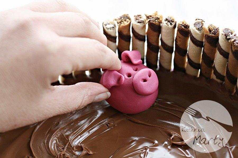 0235.900 - Tort świnki w błotku