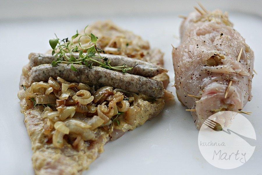 9269.900 - Rolady z kurczaka nadziewane białą kiełbasą i cebulą