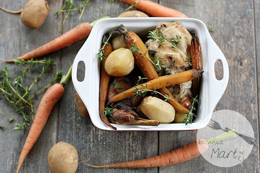 3512.900 - Pieczony królik z młodymi ziemniakami i marchewką