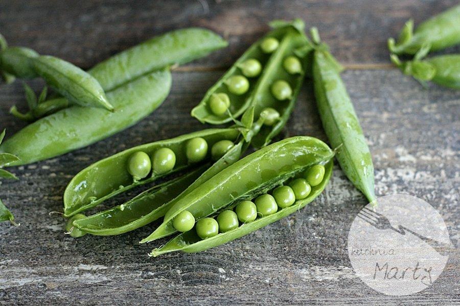 Zielony groszek - strączki skrywające samo zdrowie