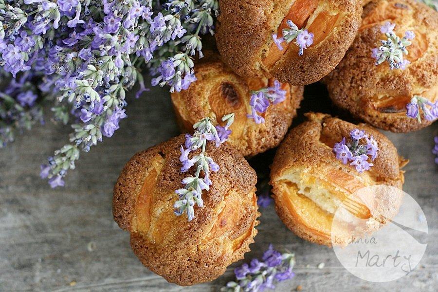 Lawendowe muffinki  z morelami