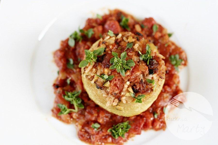 7358.900 - Kalarepy faszerowane z sosem pomidorowym