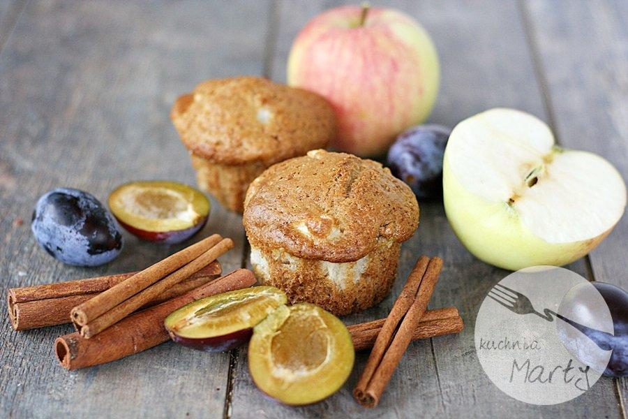 9426.900 - Cynamonowe muffinki z jabłkami i śliwkami