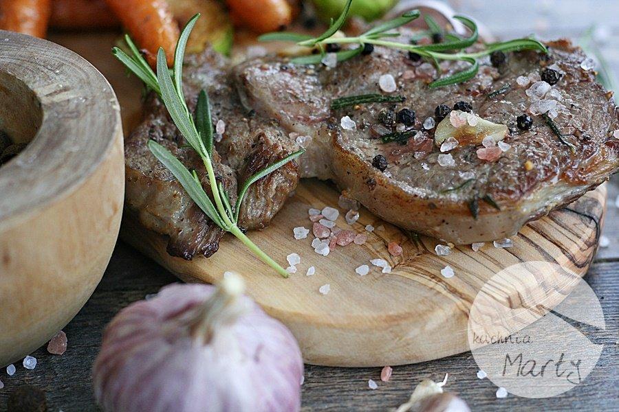 Antrykot wołowy z warzywami