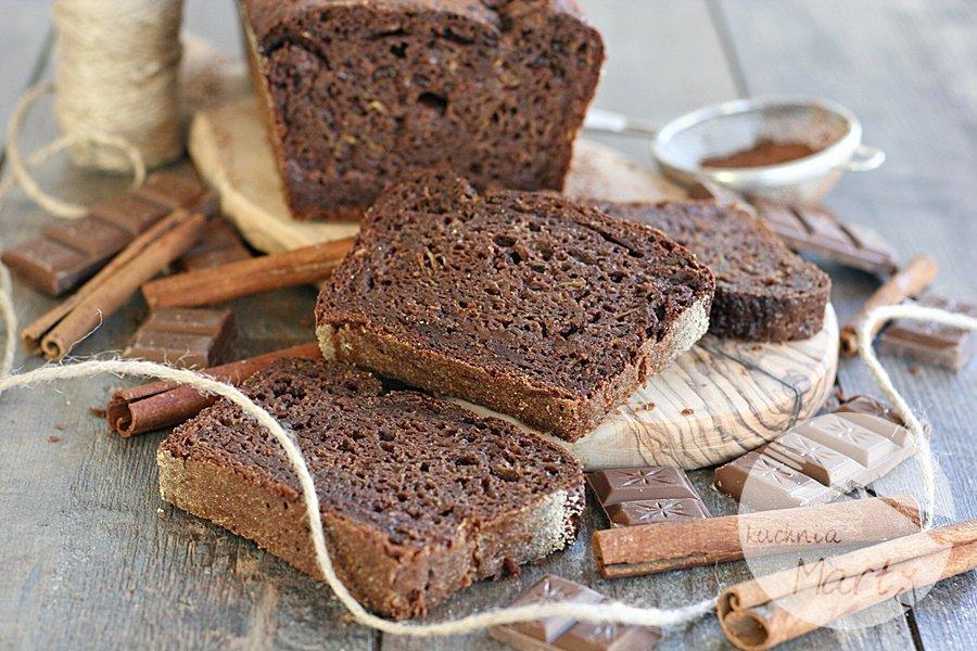 4659.900 - Ciasto czekoladowe z cukinią i musem jabłkowym