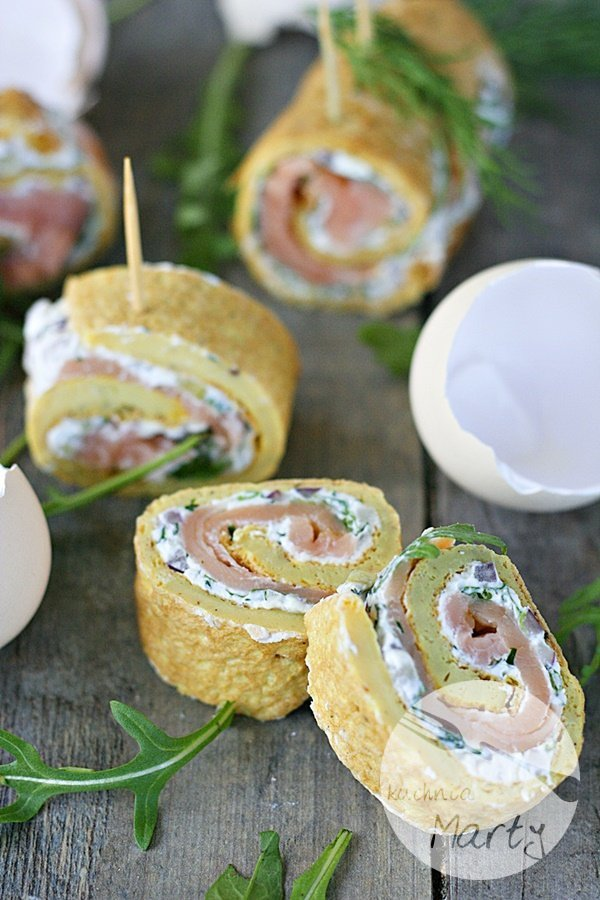 5555.900 - Roladki z omleta z łososiem