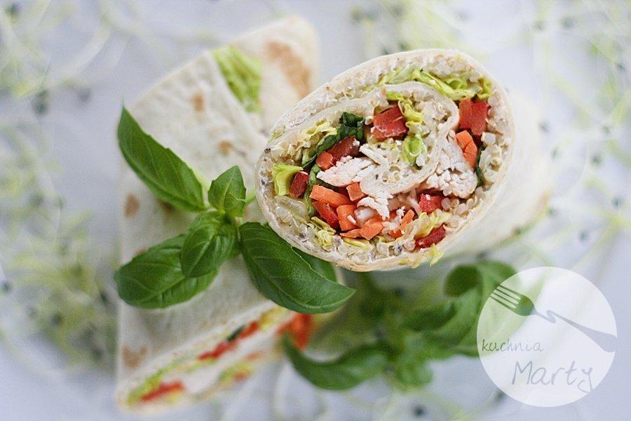 5741.900 - Tortilla z komosą ryżową, kurczakiem i warzywami