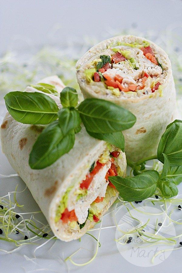 5759.900 - Tortilla z komosą ryżową, kurczakiem i warzywami