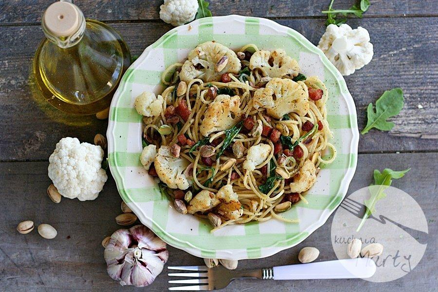 0289.900 - Spaghetti z kalafiorem boczkiem i pistacjami