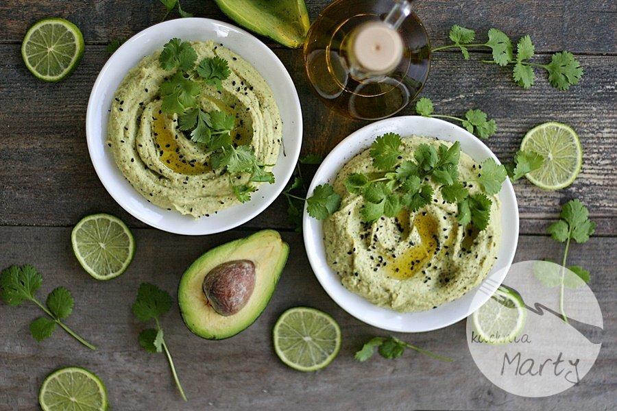 9689.900 - Hummus z awokado