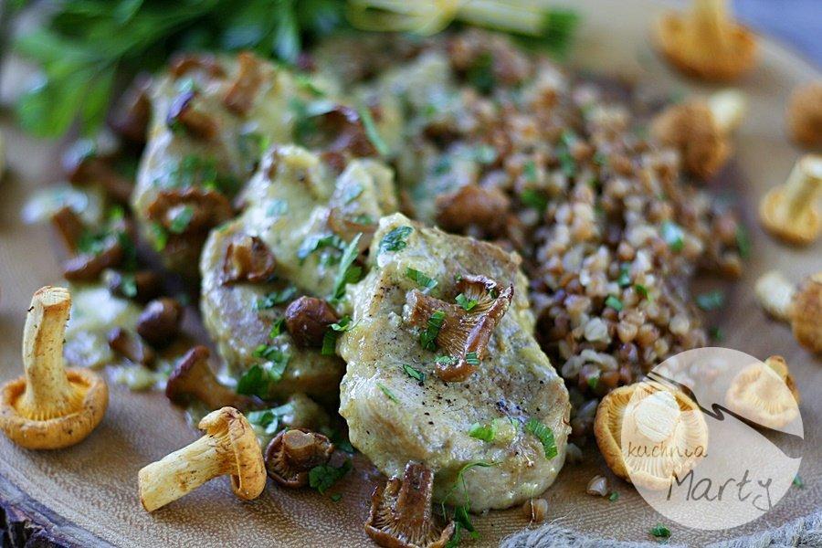 Polędwiczki wieprzowe w sosie kurkowym