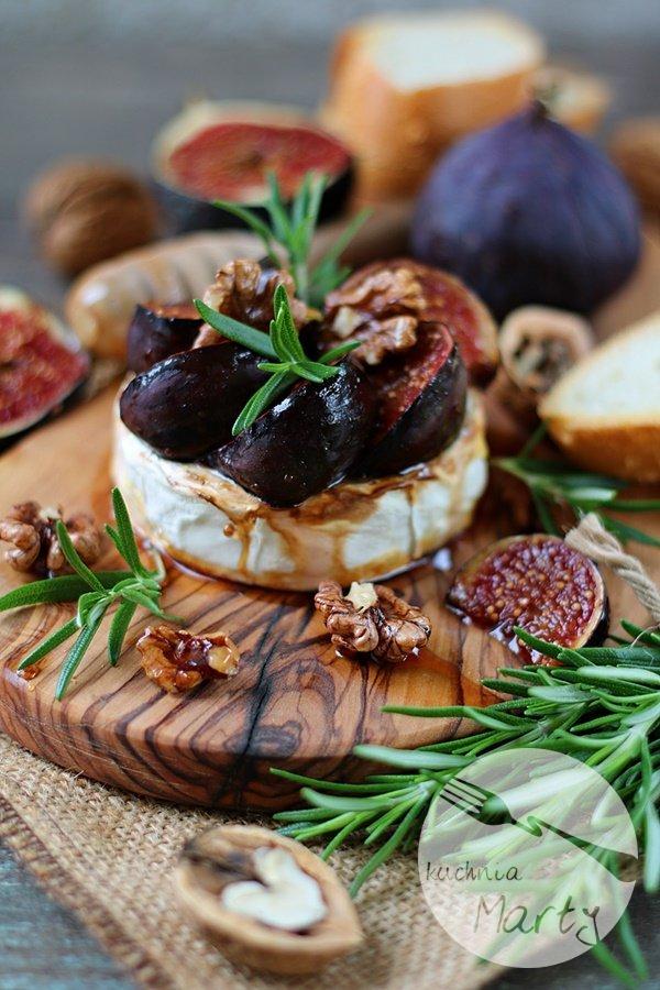 0791.900 - Pieczony camembert z figami i rozmarynem