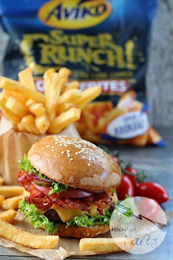 1544.900 - Najlepsze domowe hamburgery z frytkami Super Crunch