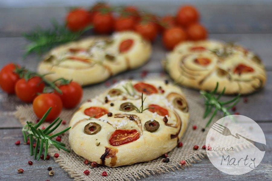 8449.900 - Focaccia z pomidorami, oliwkami i rozmarynem