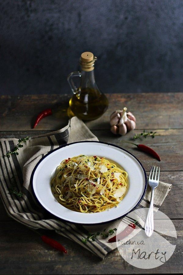1561 - Spaghetti aglio olio e peperoncino
