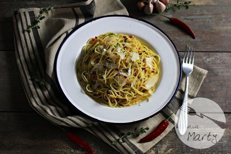1565 - Spaghetti aglio olio e peperoncino
