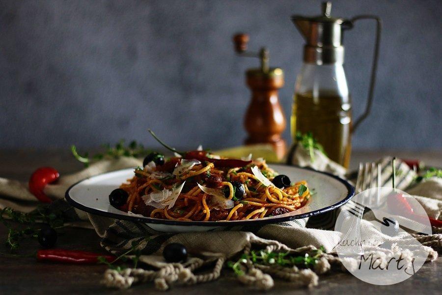 2204 - Spaghetti z chorizo i oliwkami
