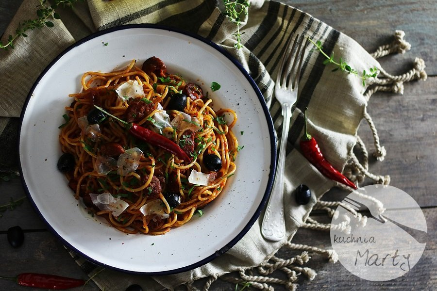 2218 - Spaghetti z chorizo i oliwkami