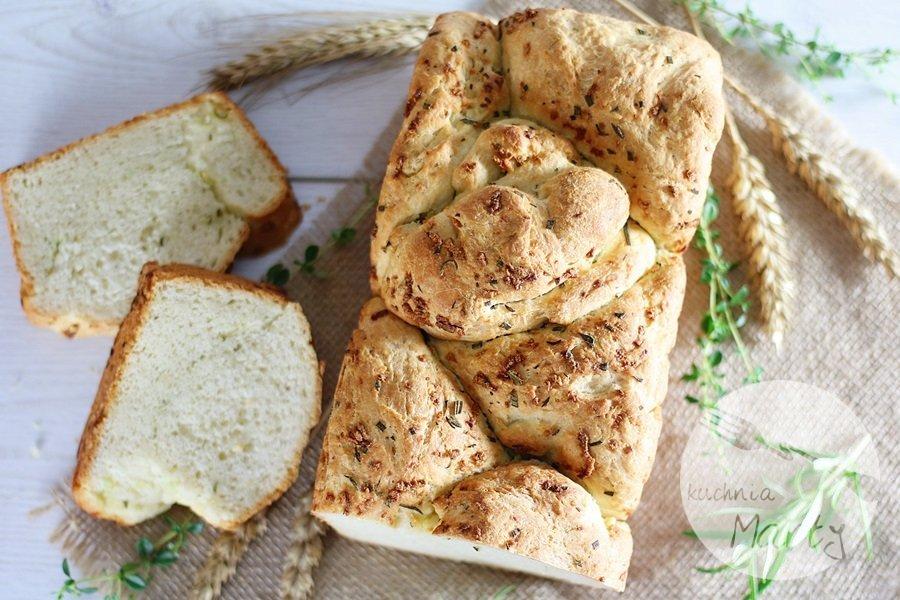 3042 - Czosnkowy chlebek