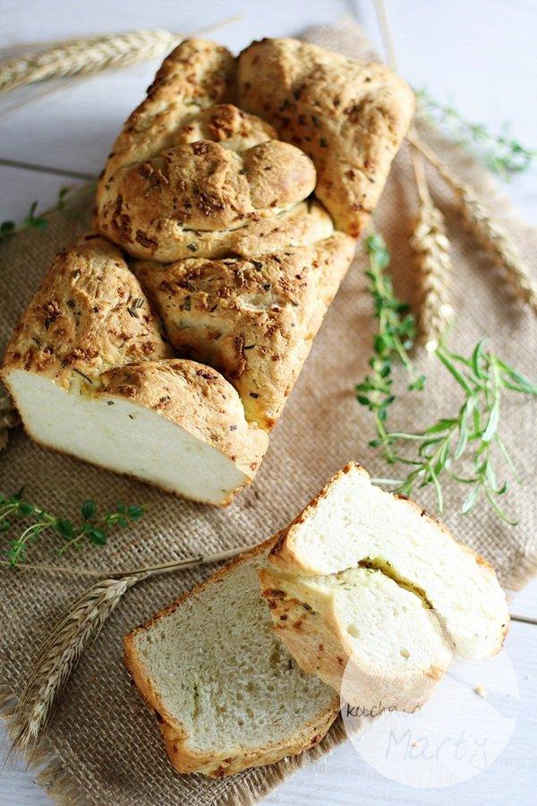 3058 - Czosnkowy chlebek