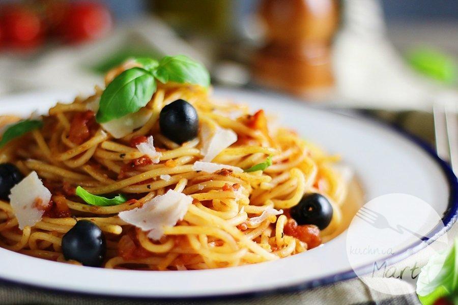 3757.900 - Spaghetti al pomodoro